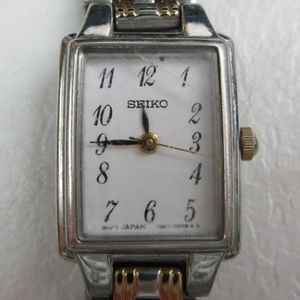 ⌚Seiko 1N01-0FH0 Quartz Women's Watch A325⌚